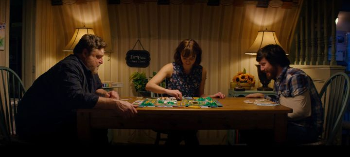 10 Cloverfield Lane playing a board game